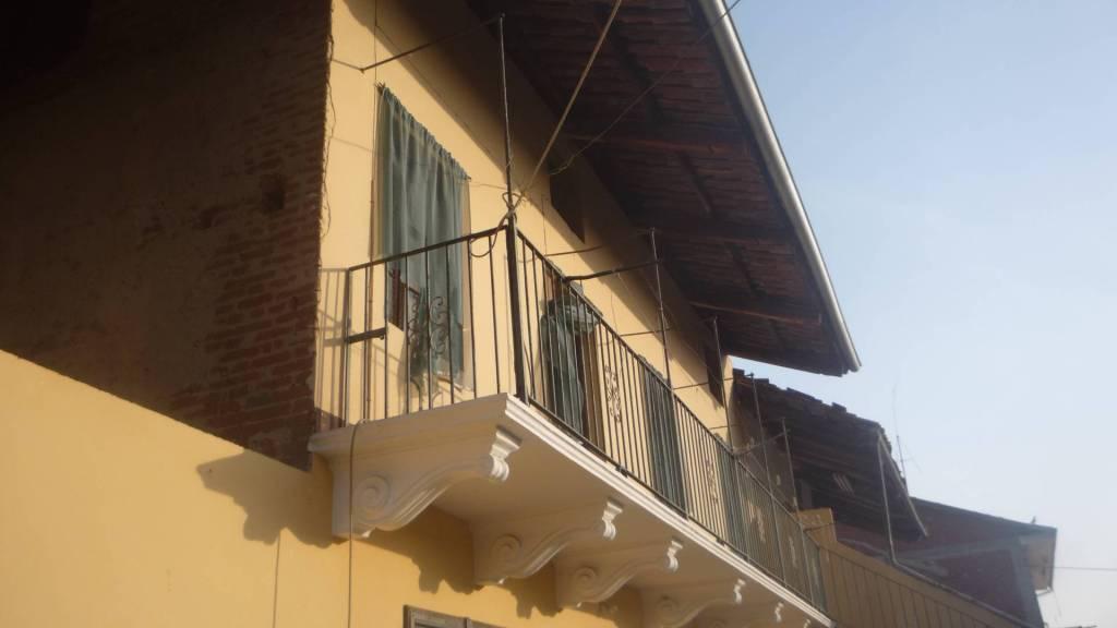 Rustico / Casale in vendita a Caluso, 5 locali, prezzo € 49.000 | CambioCasa.it