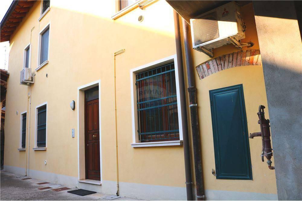 Appartamento in affitto a Leno, 2 locali, prezzo € 370 | CambioCasa.it
