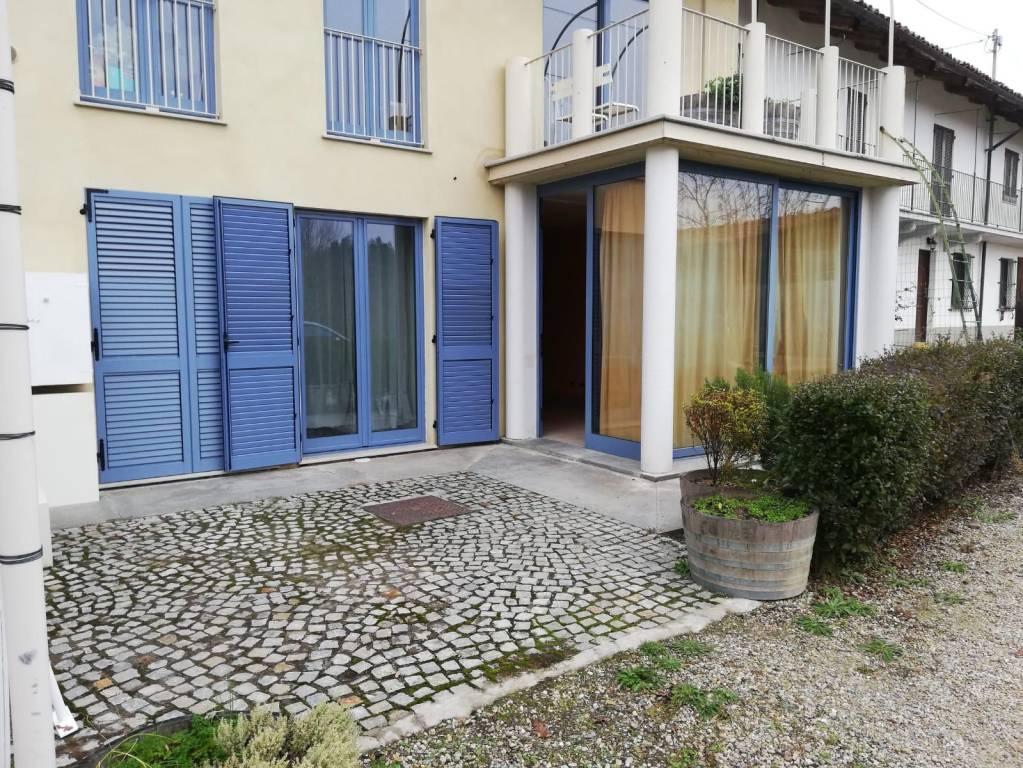 Appartamento in ottime condizioni arredato in affitto Rif. 8776494