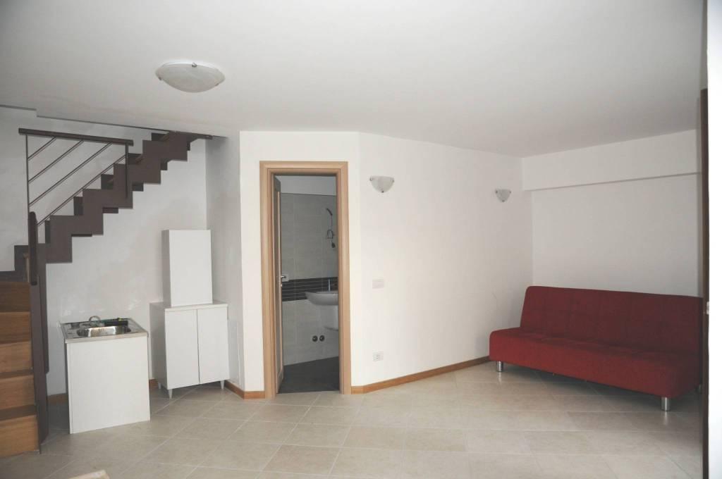Appartamento in ottime condizioni arredato in affitto Rif. 8934935