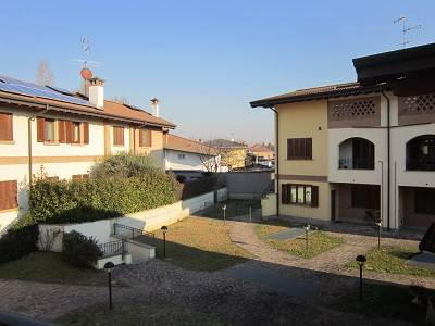 Appartamento in buone condizioni in vendita Rif. 8886116