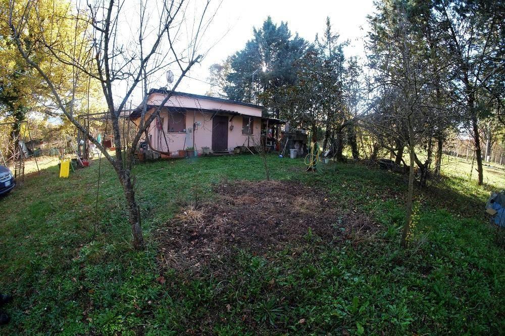 Rustico / Casale in buone condizioni in vendita Rif. 8934840
