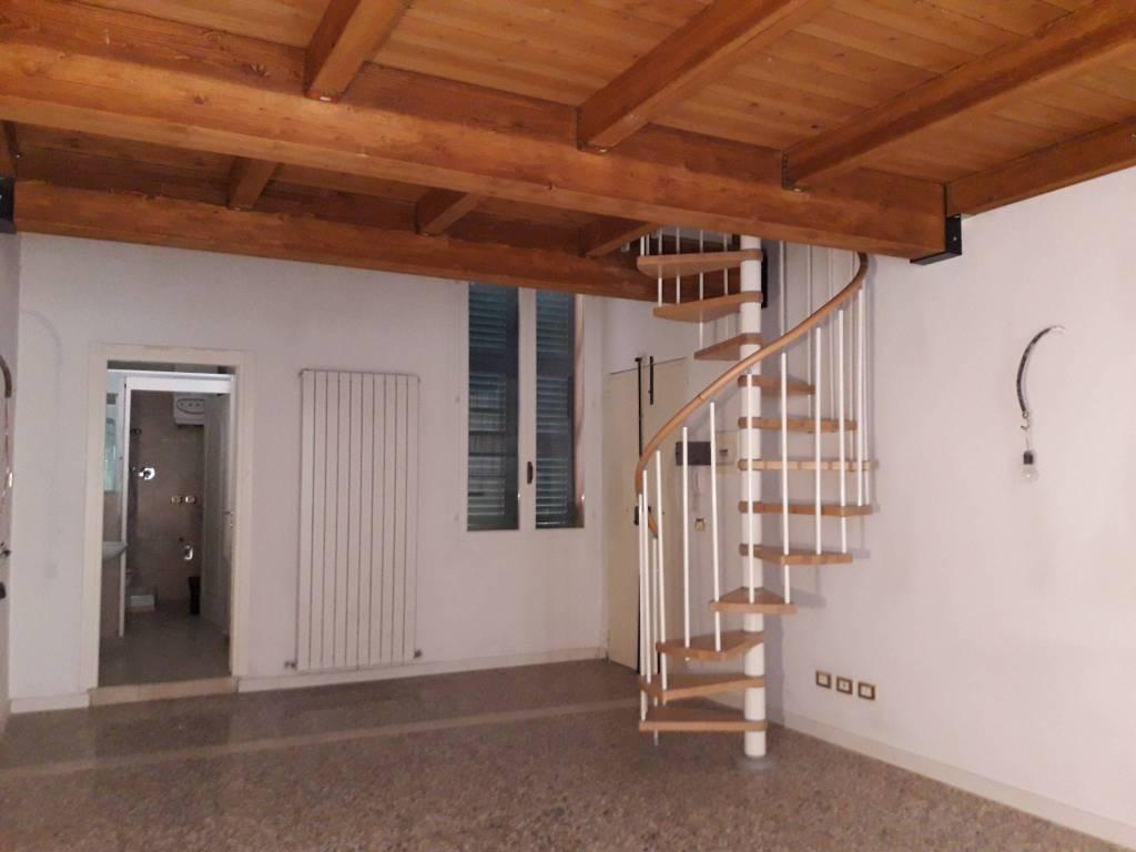 Appartamento in ottime condizioni in vendita Rif. 8938046