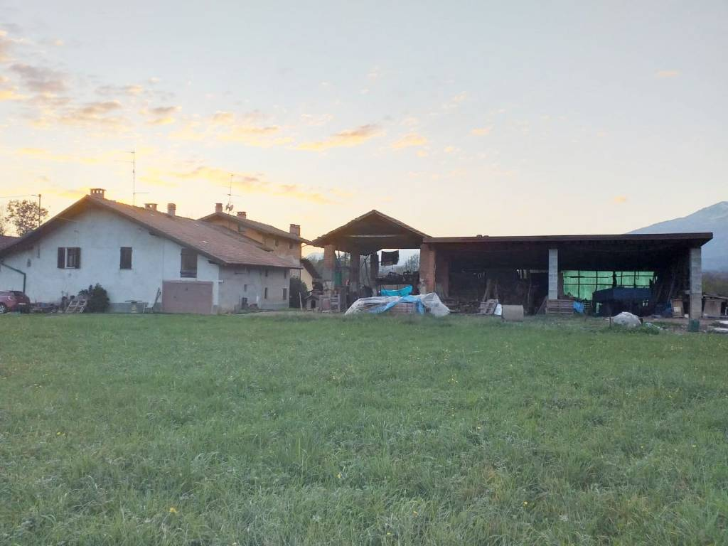 Rustico / Casale in buone condizioni in vendita Rif. 8935042