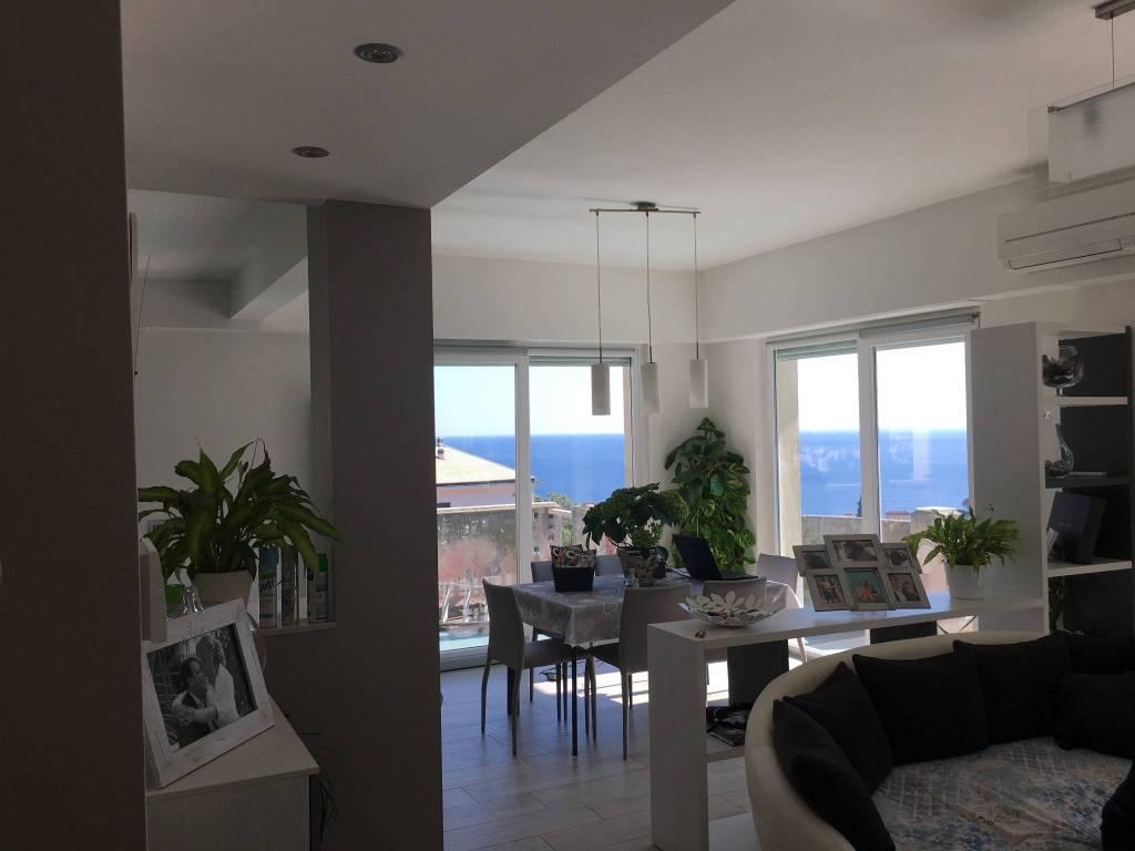 Appartamento in ottime condizioni parzialmente arredato in vendita Rif. 8939973
