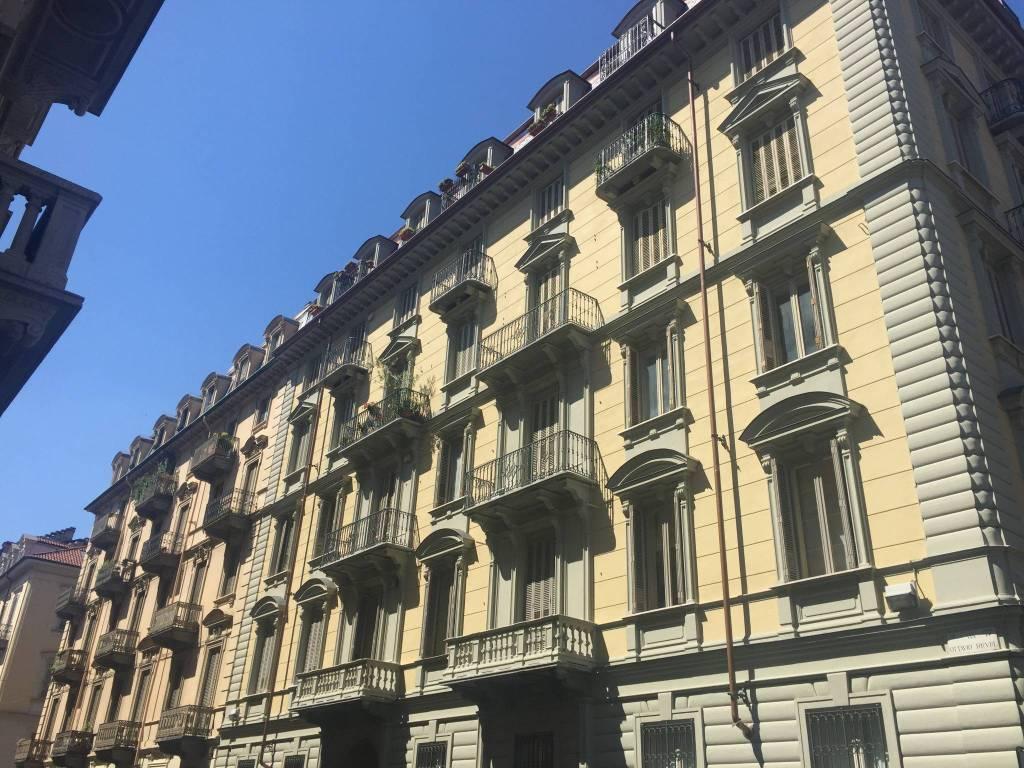 Appartamento in affitto via Ottavio Revel 5 Torino