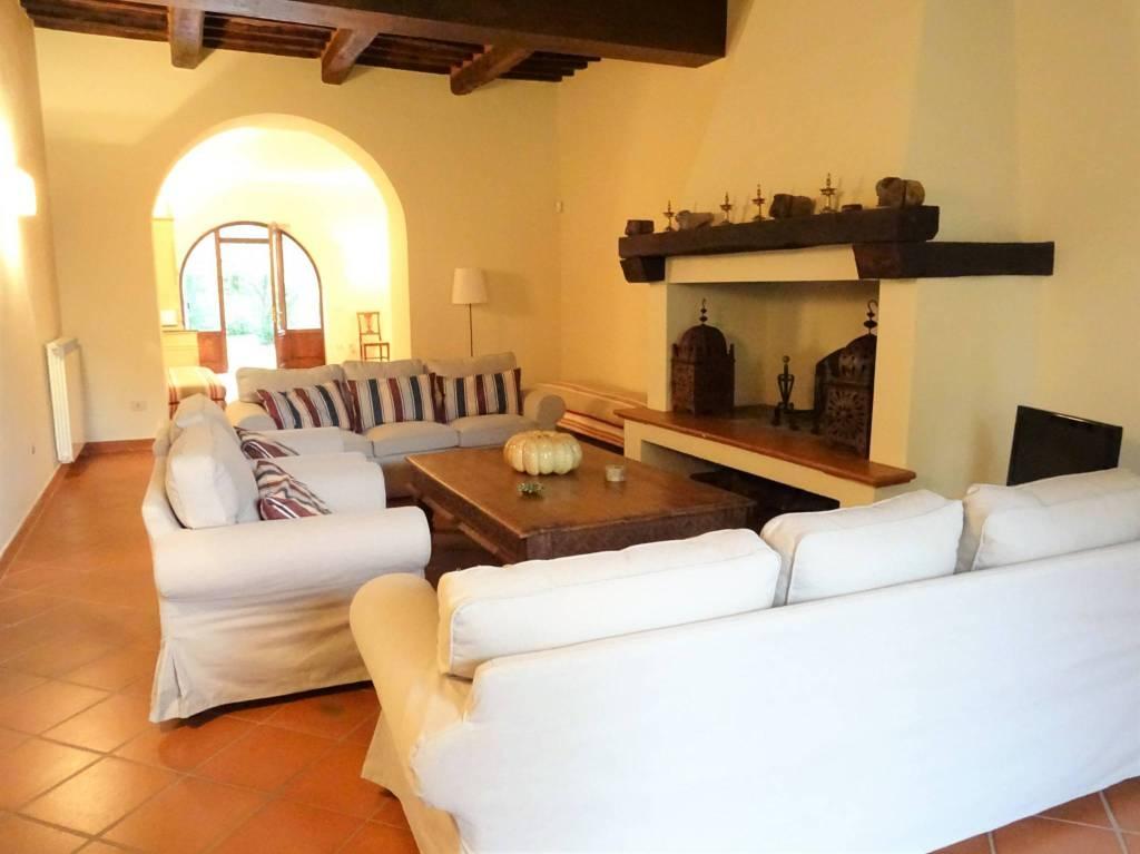 Rustico / Casale in ottime condizioni parzialmente arredato in affitto Rif. 8934779