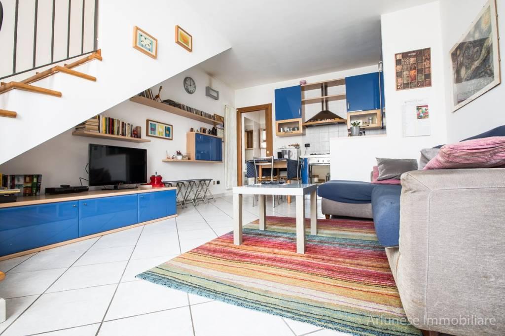 Appartamento in ottime condizioni in vendita Rif. 8884296
