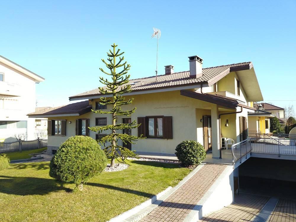 Foto 1 di Villa piazza Grande 16, Vignolo