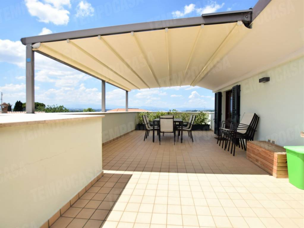 Appartamento in ottime condizioni in vendita Rif. 8939302