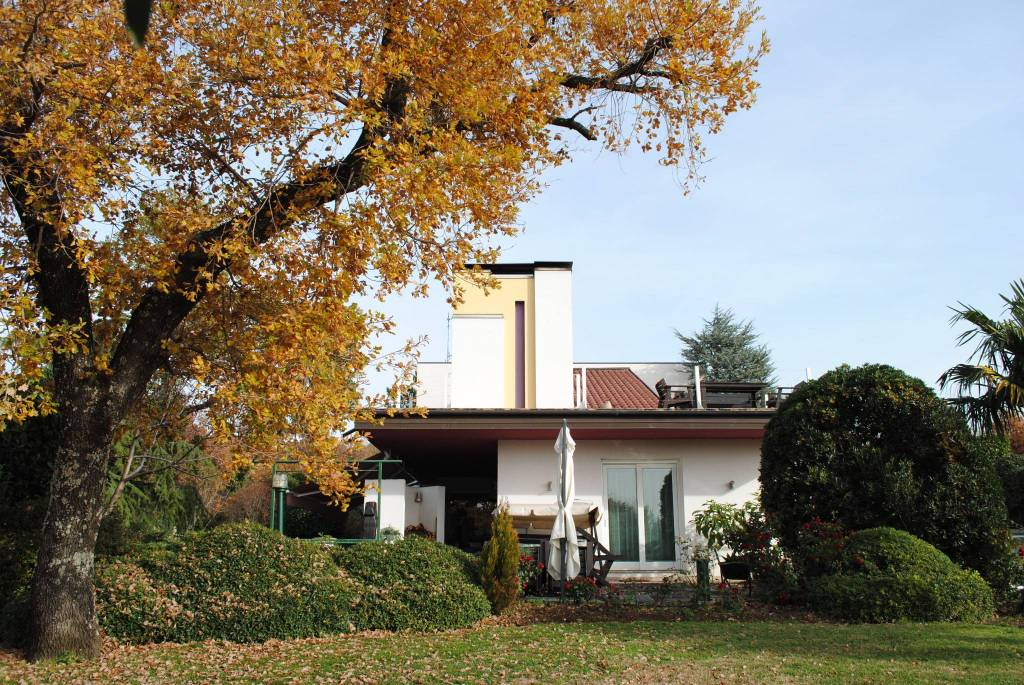 Villa immersa nel parco