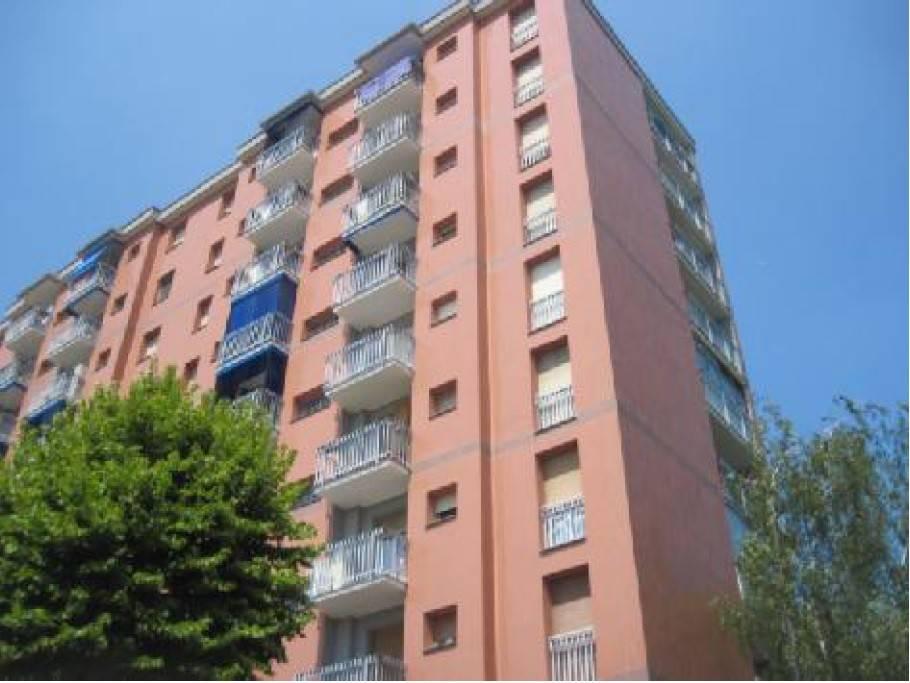 Appartamento in buone condizioni in vendita Rif. 8948563