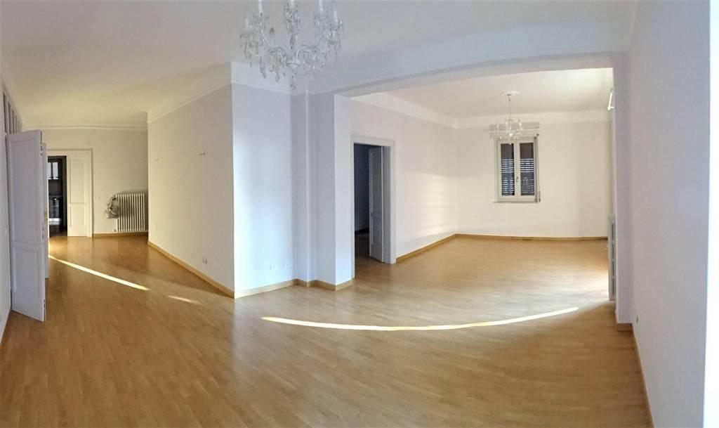 Appartamento in ottime condizioni parzialmente arredato in vendita Rif. 8939989