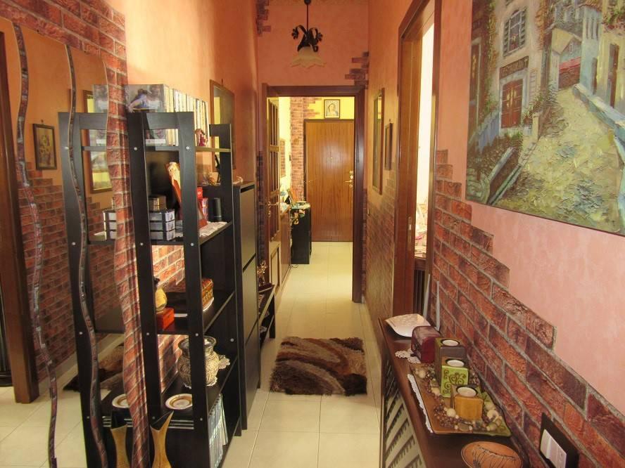 Appartamento in ottime condizioni in vendita Rif. 8938674