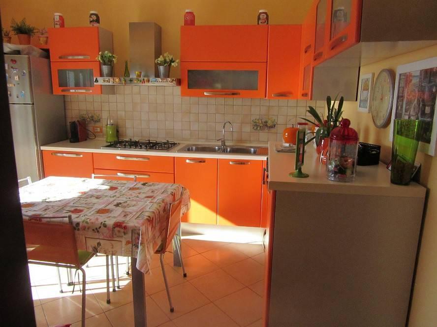 Appartamento in ottime condizioni in vendita Rif. 8938675