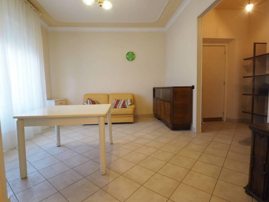 Appartamento in buone condizioni in vendita Rif. 8937607