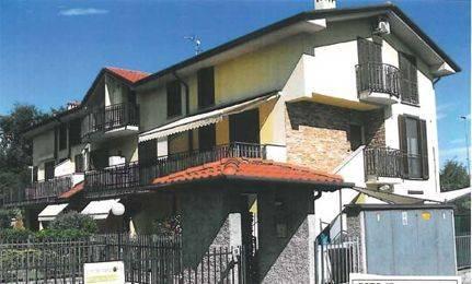 Appartamento in buone condizioni in vendita Rif. 8949592