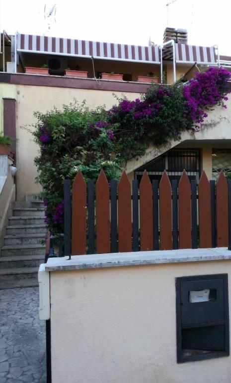 Appartamento in buone condizioni arredato in affitto Rif. 8948657
