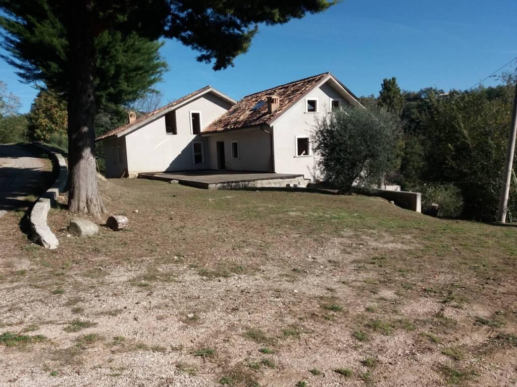 Casa Indipendente in buone condizioni in vendita Rif. 8961097