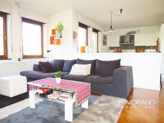 Appartamento in buone condizioni in vendita Rif. 8949193