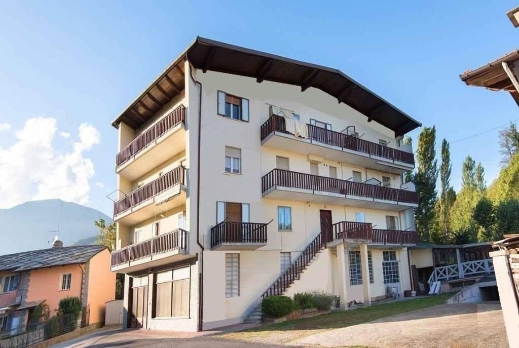 Appartamento in ottime condizioni in vendita Rif. 8949854