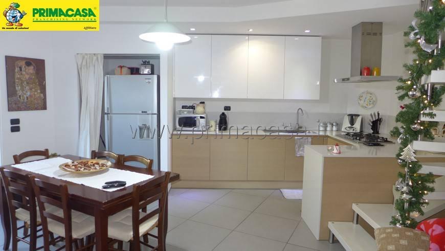 Appartamento in ottime condizioni in vendita Rif. 8949097