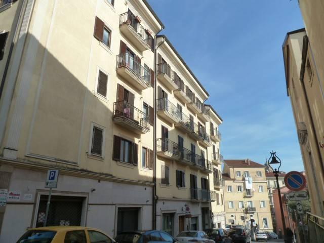 Appartamento in buone condizioni in affitto Rif. 8948916