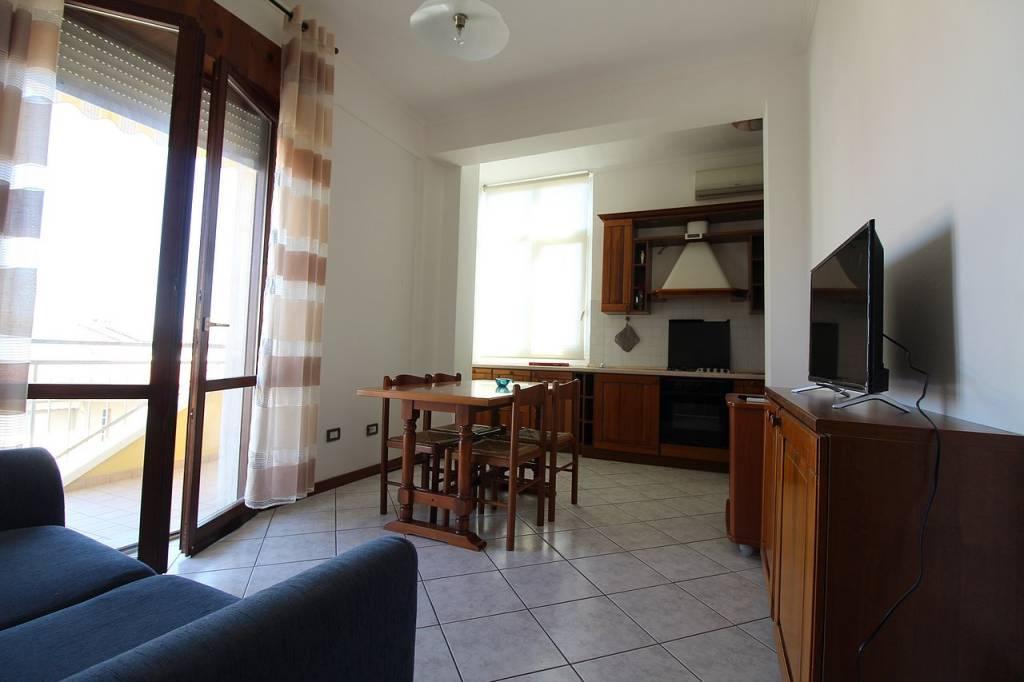 Appartamento in buone condizioni in vendita Rif. 8948375
