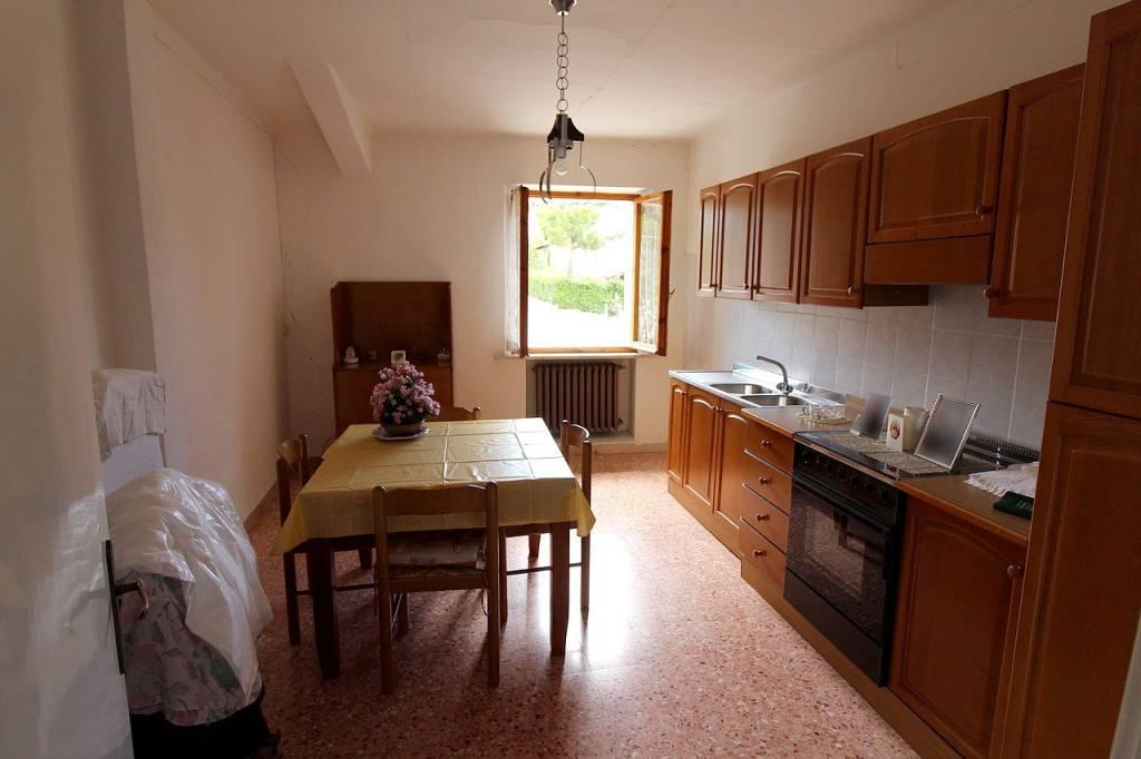 Casa Indipendente in buone condizioni in vendita Rif. 8948377