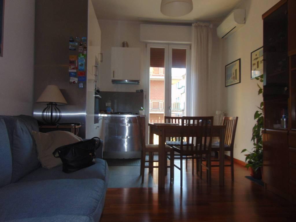 Appartamento in buone condizioni parzialmente arredato in vendita Rif. 8949122