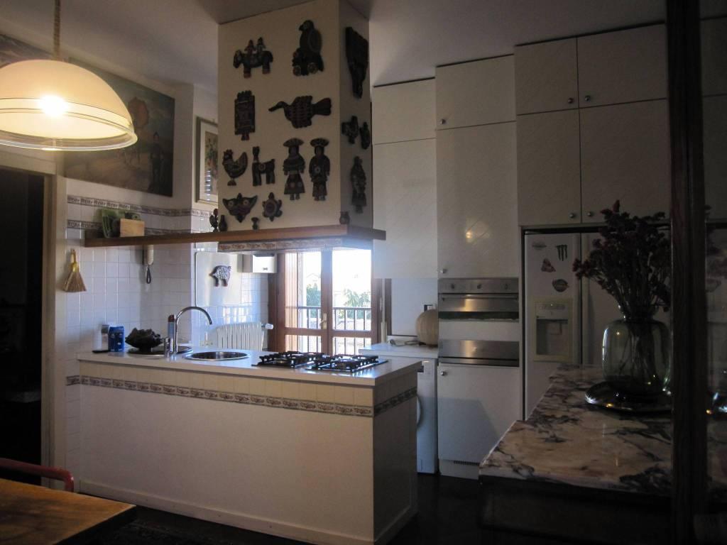 Appartamento in ottime condizioni arredato in affitto Rif. 8949213