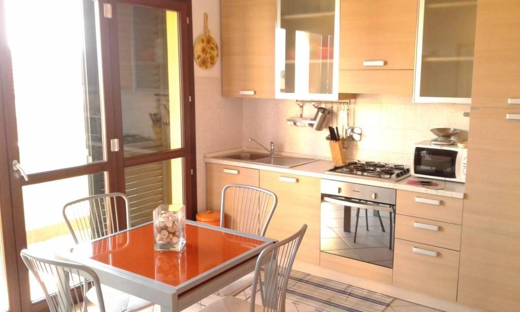 Appartamento in ottime condizioni arredato in affitto Rif. 8948365