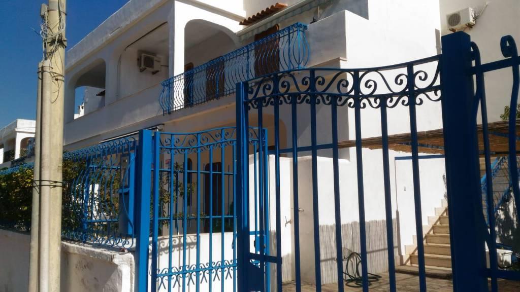Appartamento in buone condizioni arredato in vendita Rif. 8949803