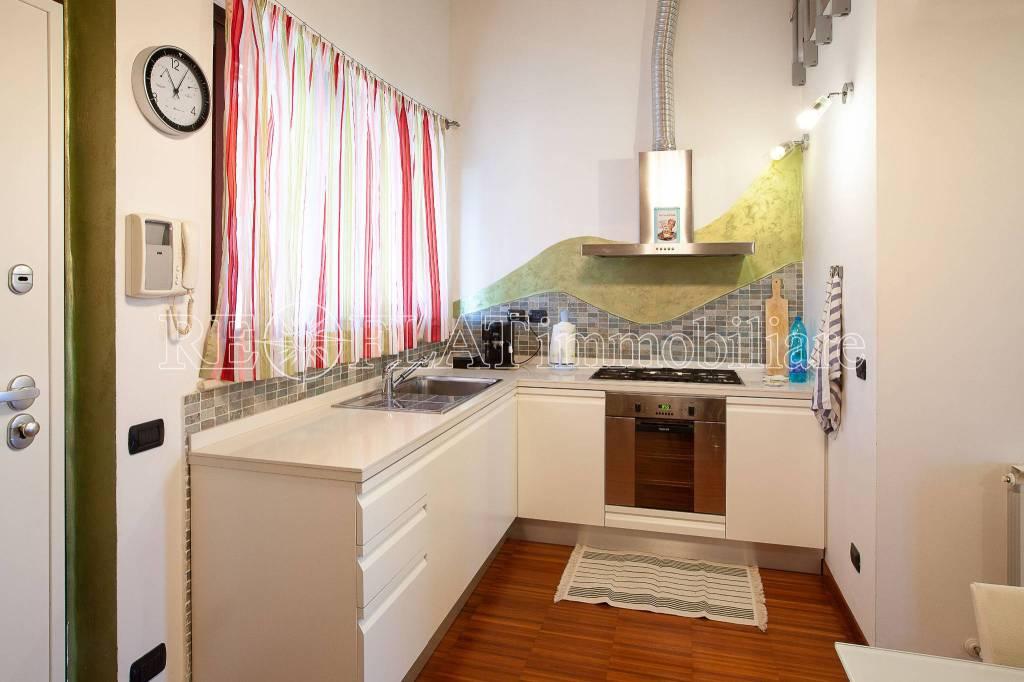 Appartamento in buone condizioni arredato in vendita Rif. 8948739