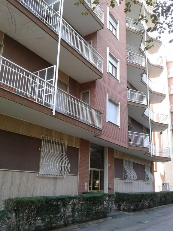 Appartamento in buone condizioni in vendita Rif. 8955383