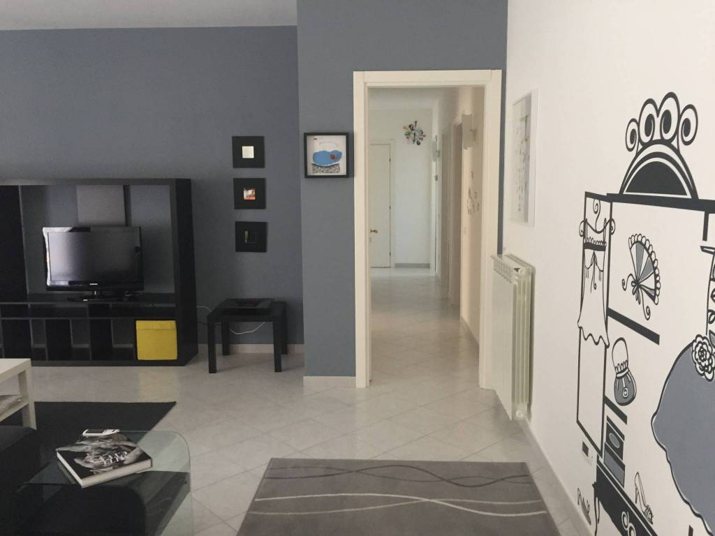 Appartamento in ottime condizioni arredato in affitto Rif. 8964879