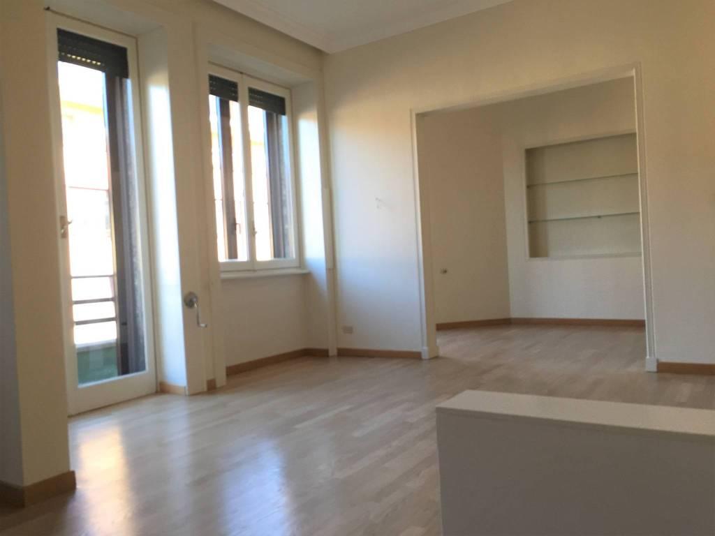 Appartamento in ottime condizioni parzialmente arredato in affitto Rif. 8965040
