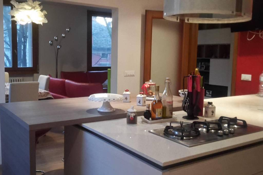 Appartamento in ottime condizioni arredato in affitto Rif. 8949231