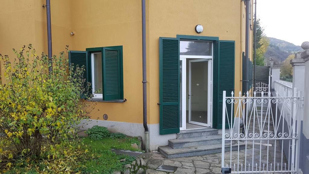 Appartamento in ottime condizioni in vendita Rif. 8962873