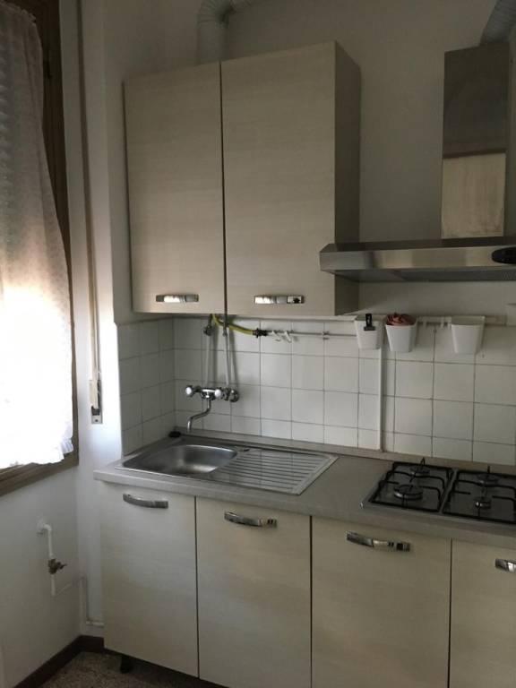 Appartamento in buone condizioni arredato in affitto Rif. 8964873