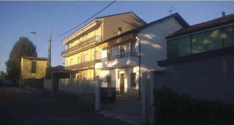 Appartamento in vendita a Rovello Porro, 4 locali, prezzo € 92.250 | CambioCasa.it