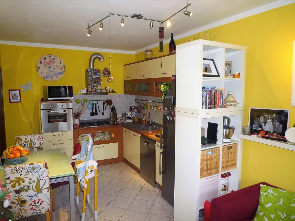 Appartamento in ottime condizioni in vendita Rif. 8962100