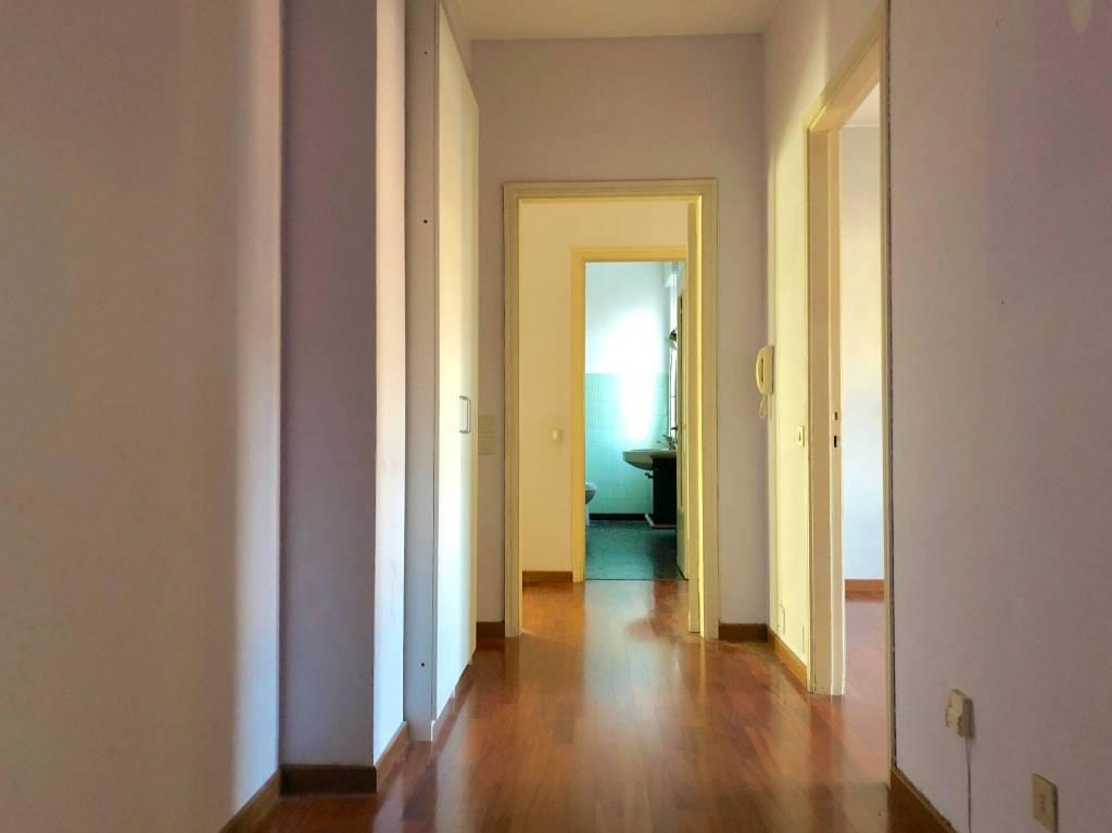 Appartamento in buone condizioni parzialmente arredato in affitto Rif. 8964993