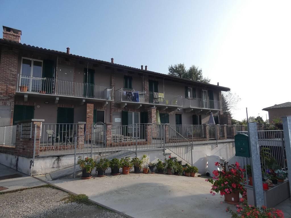 Appartamento in buone condizioni in vendita Rif. 8949948