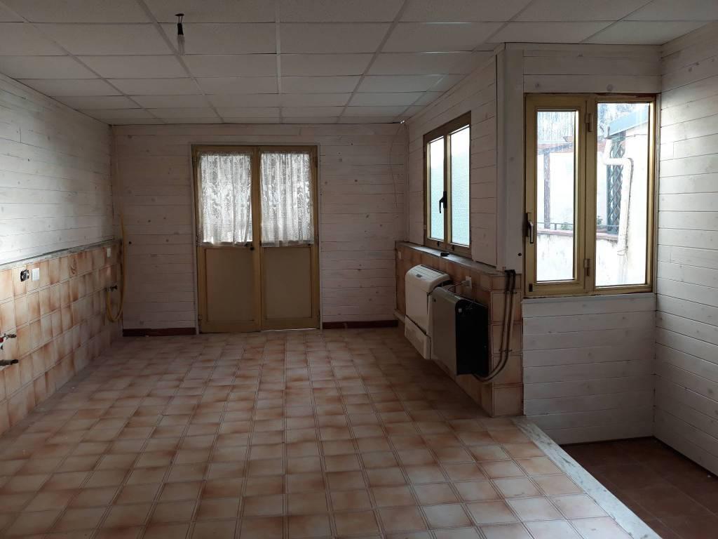 Appartamento in buone condizioni in affitto Rif. 7300710