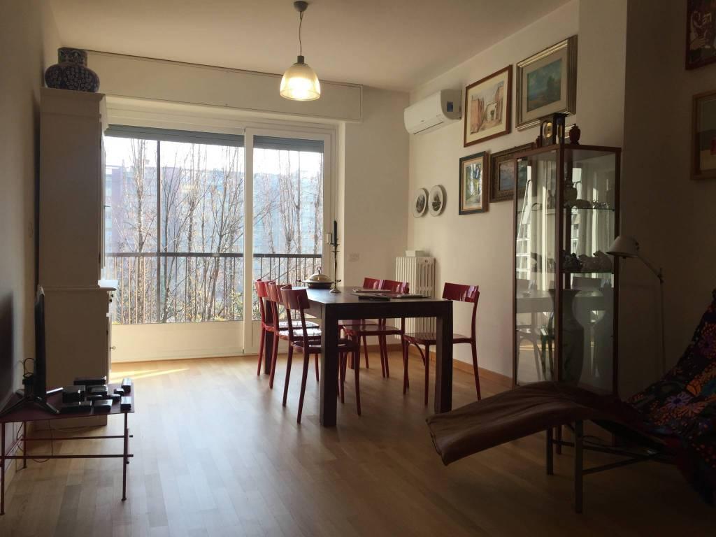 Appartamento in ottime condizioni parzialmente arredato in vendita Rif. 8910035