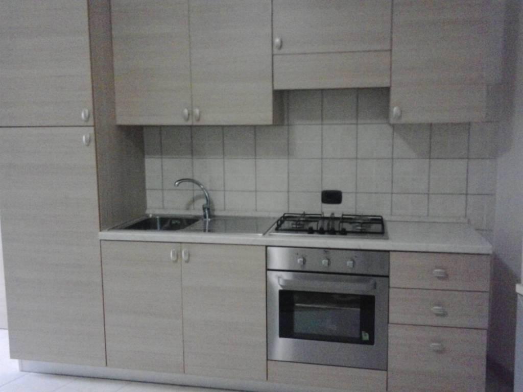 Appartamento in buone condizioni arredato in affitto Rif. 8963734