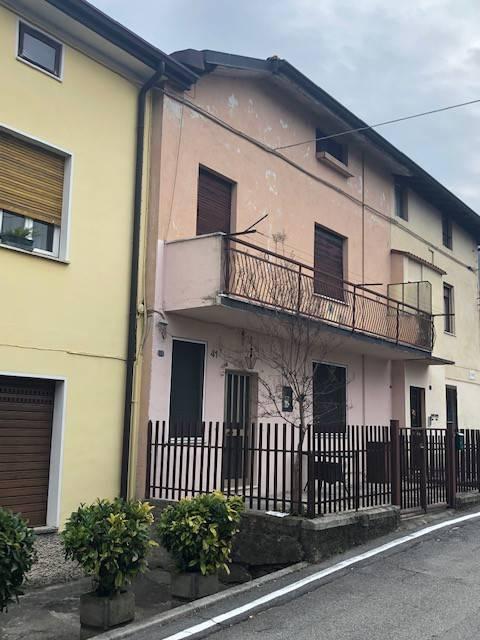 Soluzione Indipendente in vendita a Villanuova sul Clisi, 8 locali, prezzo € 145.000 | PortaleAgenzieImmobiliari.it
