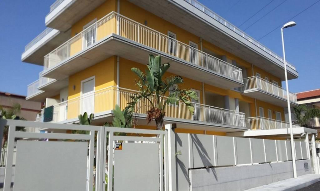 Appartamento in Vendita a Gravina Di Catania Centro: 3 locali, 70 mq