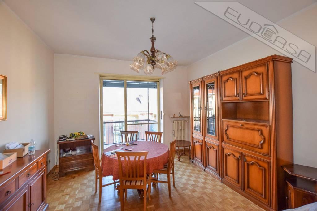 Appartamento in buone condizioni arredato in affitto Rif. 8962330